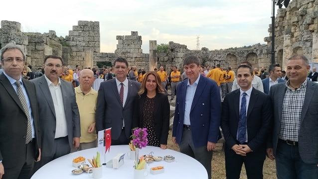 Antalya sezonu Perge'de açtı