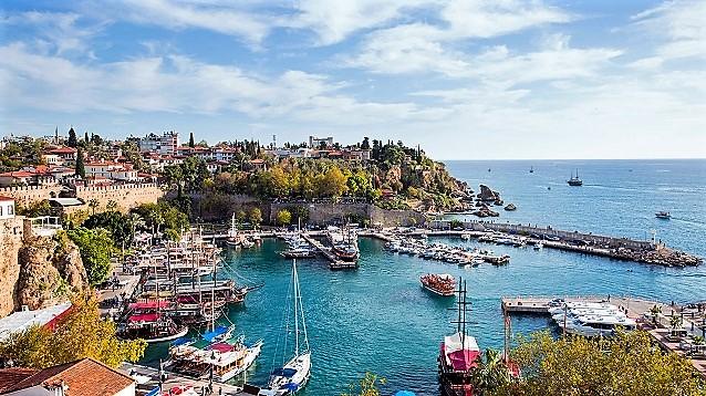 Antalya'ya en çok turisti hangi acente getirdi?
