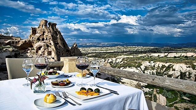 argos in Cappadocia'da büyülü bir Sevgililer Günü