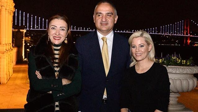 Bakan Ersoy ve eşi ABD'li ünlü aktrisi ağırladı