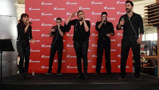 Corendon Airlines, ITB Berlin Fuarı yolcularını Acapella konseriyle uğurladı