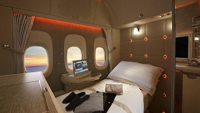Emirates yenilenen kabinleriyle yolcularını büyülüyor