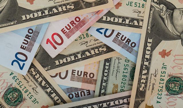 Euro ve Dolar'dan yeni rekor: Euro 4 Lira'yı gördü