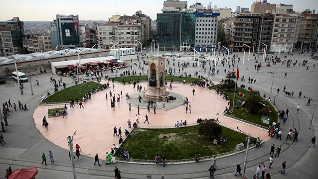 İstanbul'da şok olay: Otel penceresinden düşen iki turist öldü