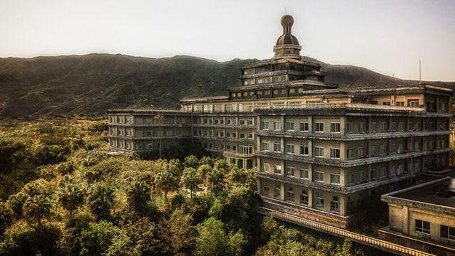 Japonya'nın terk edilmiş en büyük oteli...