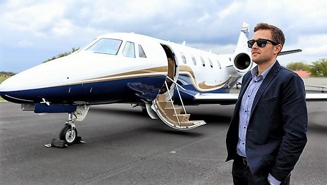 JETFORME'yi tercih edenlerin tatili havaalanında başlıyor