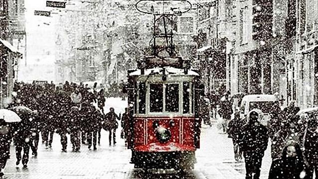 Kar İstanbul otellerinin yüzünü güldürdü