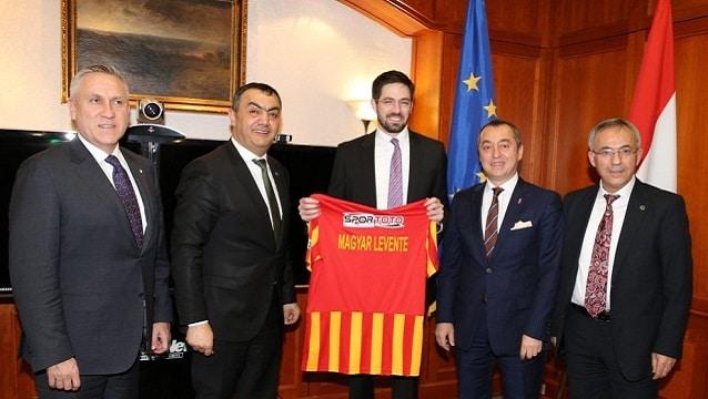 Macar Turizm Bakanı'ndan 'Türkiye'ye gidin' çağrısı…