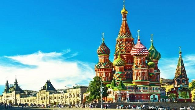 Rusya turizm pazarında küçükler batıyor büyükler...