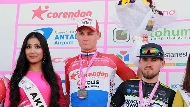 Tour of Antalya'da ilk etabın kazananı Mathieu Van Der Poel oldu