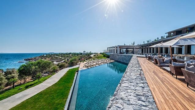 Türkiye'de de büyüyen lüks otel devi 300 milyon dolara satıldı