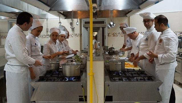 Yeditepe Gastronomi öğrencileri Michelin yıldızlı restoranlarda staj yapıyor