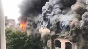 100 yıllık otel yandı