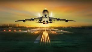 4 yıl sonra ilk charter uçağı indi