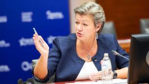 AB Komiseri: Temmuz ayında Avrupa yine serbest seyahat bölgesi olabilir