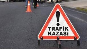 Alanyada tur minibüsü devrildi: Turistler yaralı!