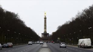 Almanya sıkı tedbirlerle 31 Ocaka kadar kapandı