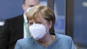 Angela Merkelden Türkiyeye vize serbestisi mesajı!