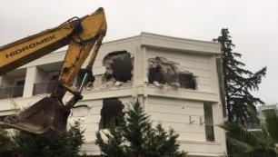 Antalyada iki otelin fazla odaları yıkılıyor!