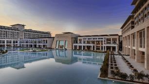 Antalya'da kriz çanları… Rixos iki otelini kapatacak