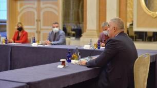 Bakan Ersoy ve TÜRSAB Başkanı Bağlıkaya TGA toplantısında bir araya geldi