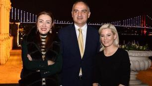Bakan Ersoy ve eşi ABDli ünlü aktrisi ağırladı