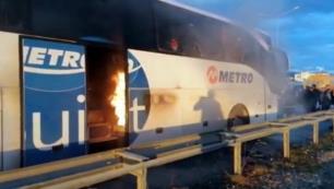 Büyük panikİçinde yolcular varken alev aldı