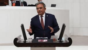 Çetin Osman Budak, Kaştaki kaçak villaları TBMM gündemine taşıdı