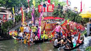 Çinde Ejderha Kayığı Festivali turizmi uçurdu