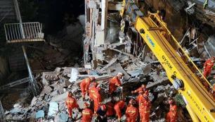 Çinde otel binası çöktü: 8 ölü!