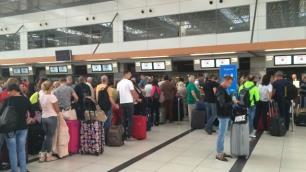 Çok sayıda Rus turist Türkiyeye giremedi
