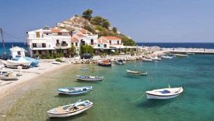 Deprem Samos adasını da vurdu, tarihi kilise çöktü