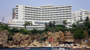 Çürüyen otel için yeni hamle