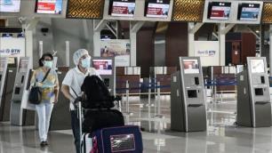 Endonezya yabancılara yasağı uzattı