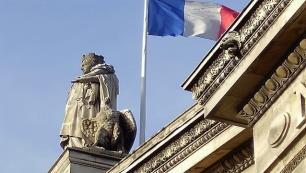 Fransada üstsüz tartışması