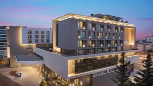 Antalyadaki yeni otelinden memnun!