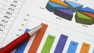 Hizmet sektöründe ciro ne kadar arttı?