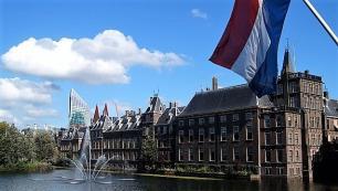 Hollandada Covid-19 tedbirleri! Kafe, restoran ve barlar erken kapanacak