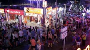 İspanyanın ünlü turizm merkezinde sert korona yasakları!