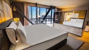 İstanbulun 100 milyon dolarlık yeni oteli kapılarını açtı