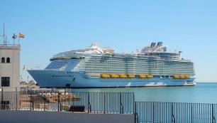 Sadece kruvaziyer ile 9.2 milyon turist ağırladı