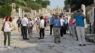 İzmire 6 ayda en çok hangi ülkeden turist geldi?