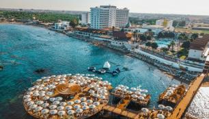 Kıbrıs otelleri neden açılamıyor?