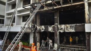 Koronavirüs hastalarının kaldığı otelde yangın: 11 ölü!