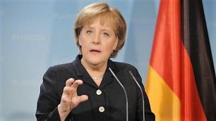 Merkel'den Türkiye için yeni açıklama: Askıya alabiliriz
