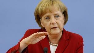 Merkel geri adım atmayacağının sinyalini verdi