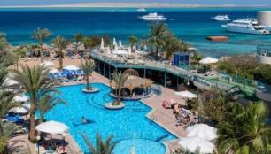 Mısır otelleri şartlı açıldı