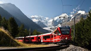 Online tren bileti pazarı iştah kabartıyor