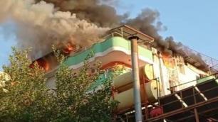 Otel alev alev yandı