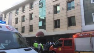 Otel asansöründe hayatlarını kaybettiler!